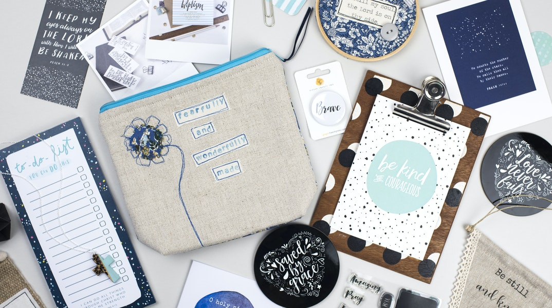 Christian Gift Ideas 2017 | Holly Booth Photography | Cheerfully Given