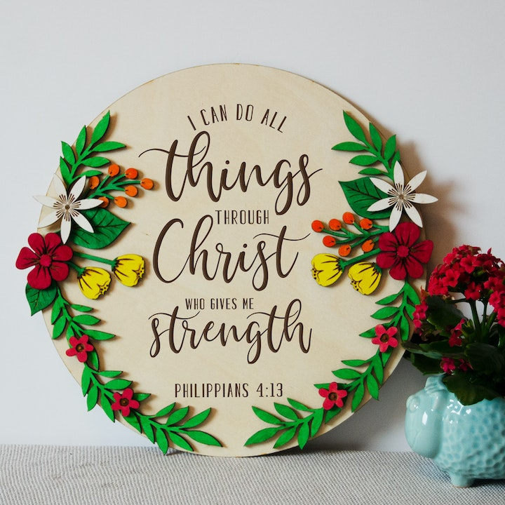 'I Can Do All Things Through Christ' Wooden Wreath Sign - Philippians 4:13 - Birch and Tides