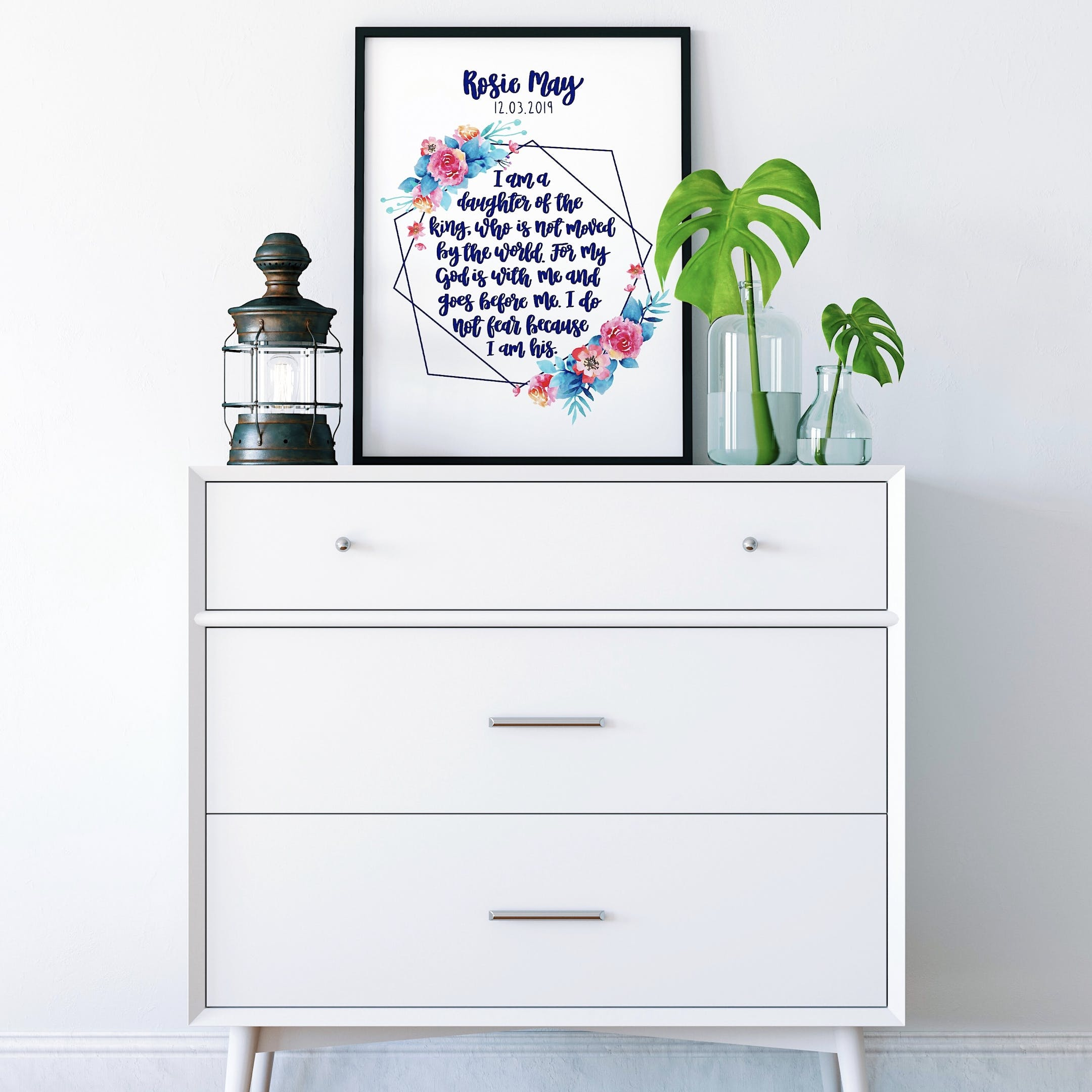 Izzy and Pop - Geo Print Personalised 2 - I Am A Daughter Of The King
