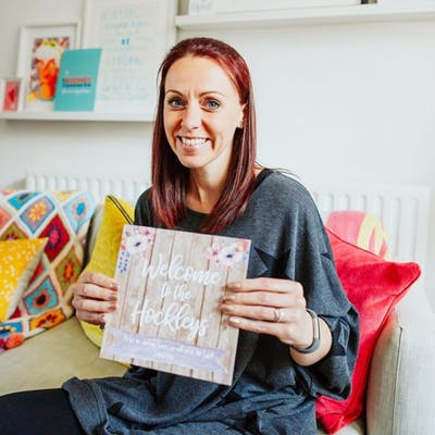 Headshot of Lisa Metcalfe of Purple Heart Handmade | Cheerfully Given