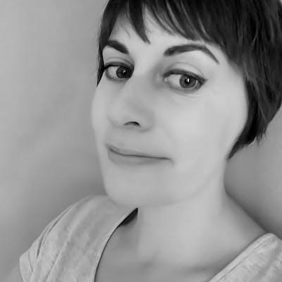 Sarah Uren Black and White Headshot, owner of Suddy Nora | Cheerfully Given
